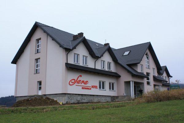 Budynek gastronomiczno – hotelowy w Laskowej SARA